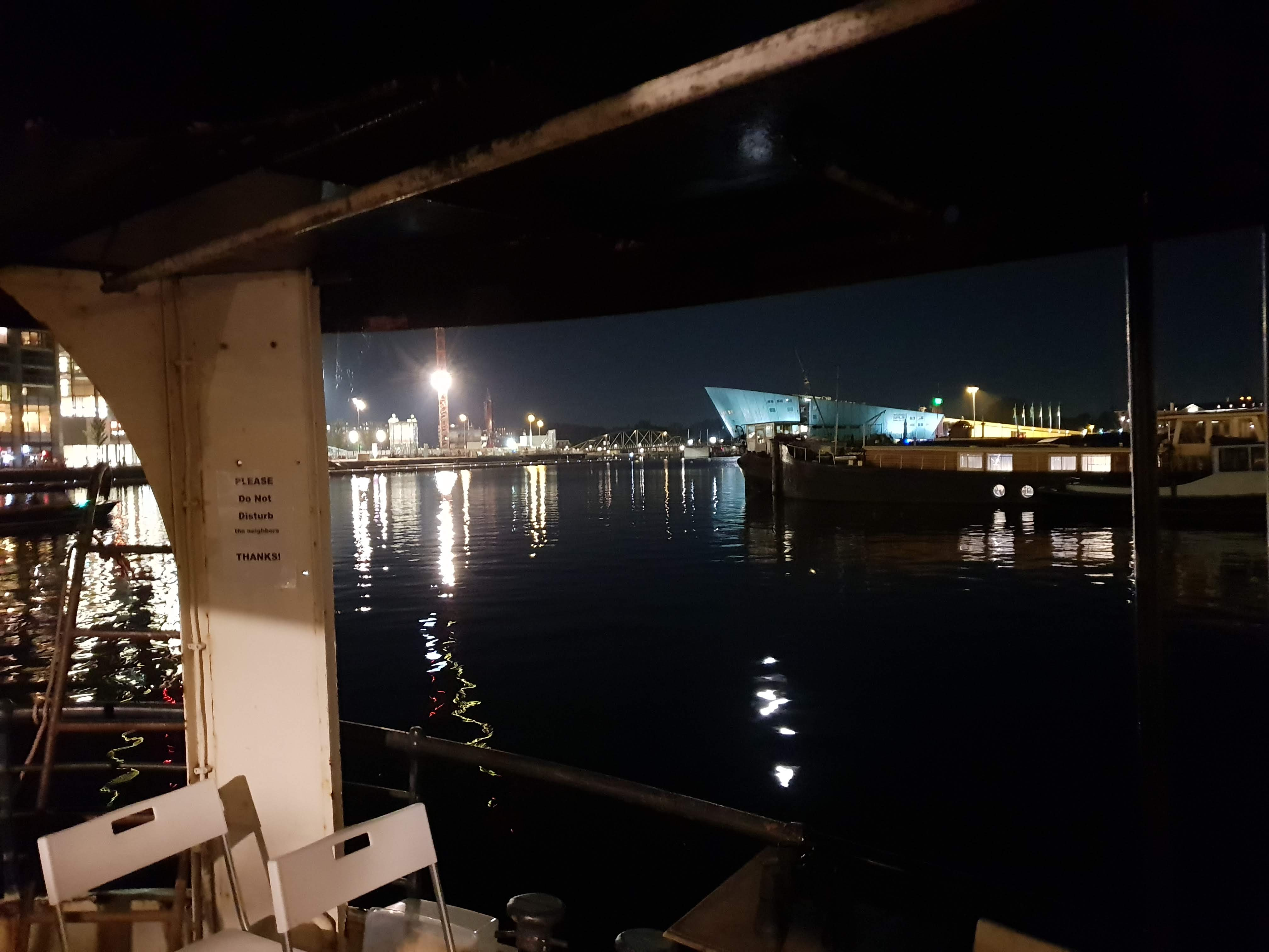 Beagle Houseboat
