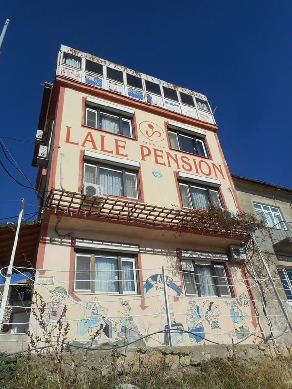 Lale Hostel & Guesthouse
