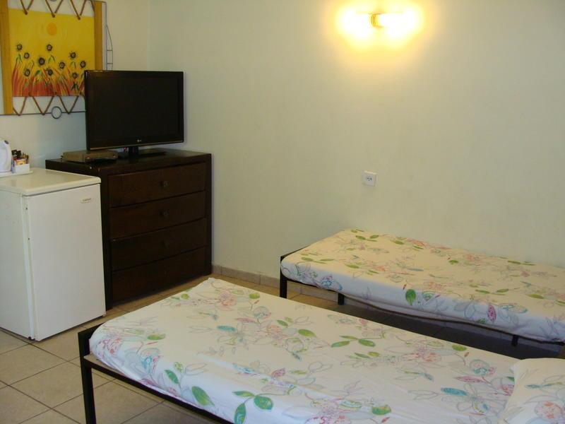 HOSTEL - Arava Hostel