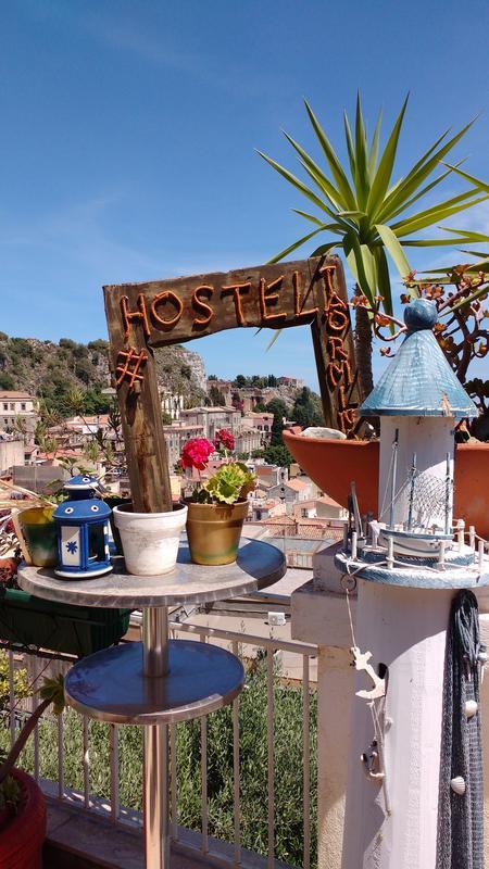 """Hostel Taormina """"Homstel"""""""