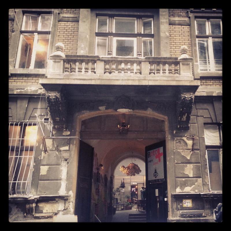 HOSTEL - Retox Party Hostel