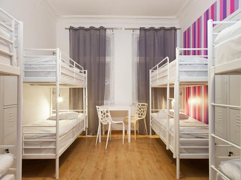 Blooms Boutique Hostel & Apartments