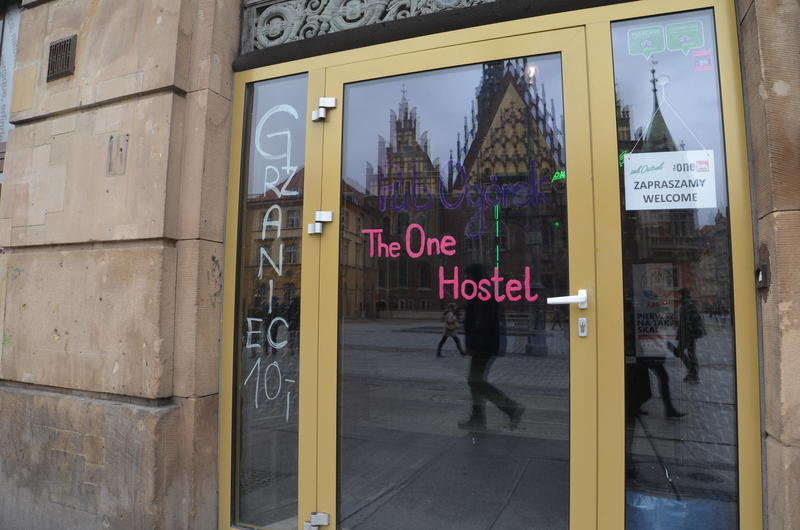 HOSTEL - The One