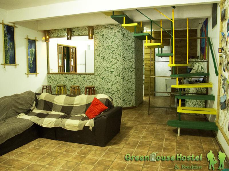 Greenhouse Hostel, Camping & Breakfast