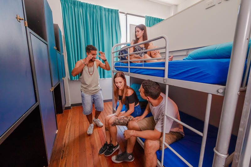 Bunk Backpackers