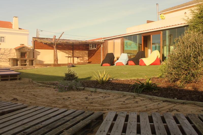 Tribo da praia Almagreira Surf Hostel