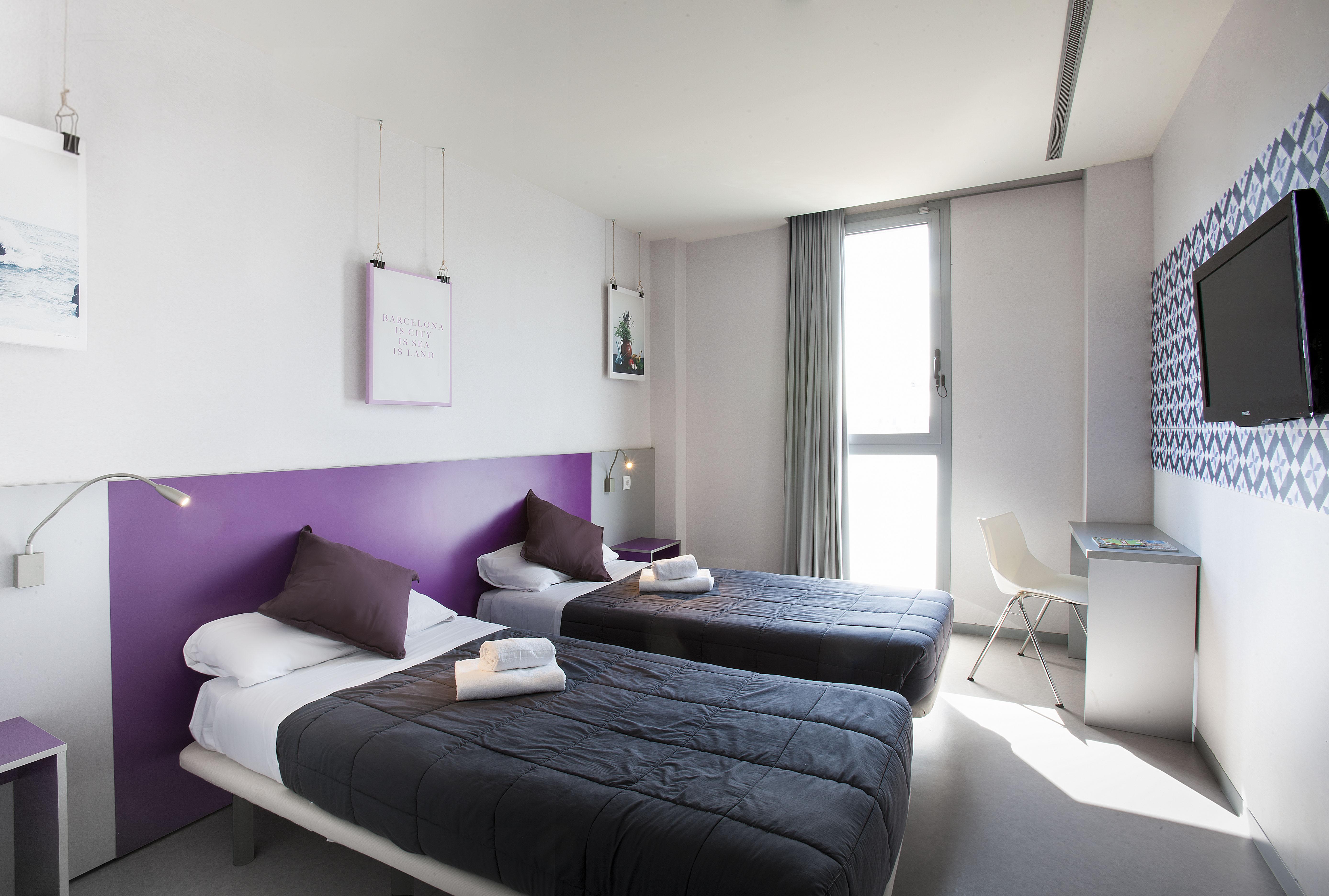 Twentytu Hi-Tech Hostel