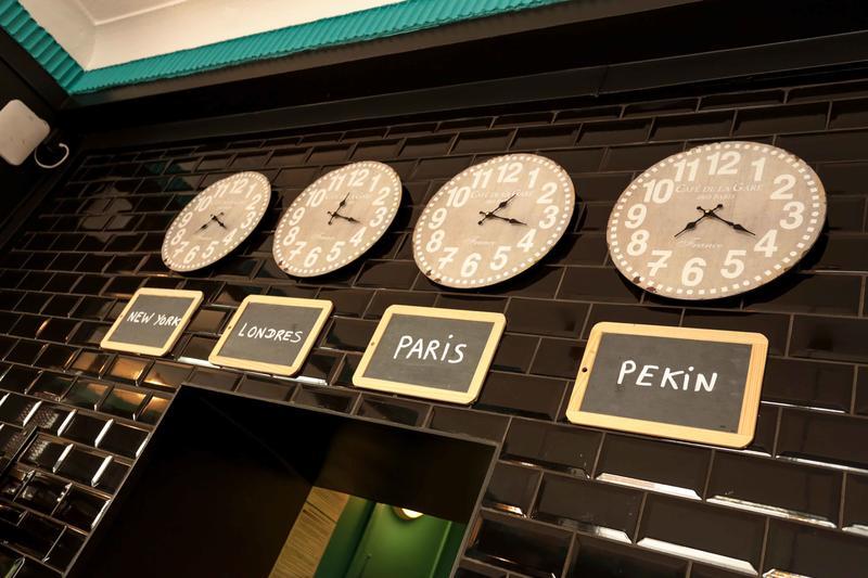 Arty Paris Porte de Versailles by Hiphophostels