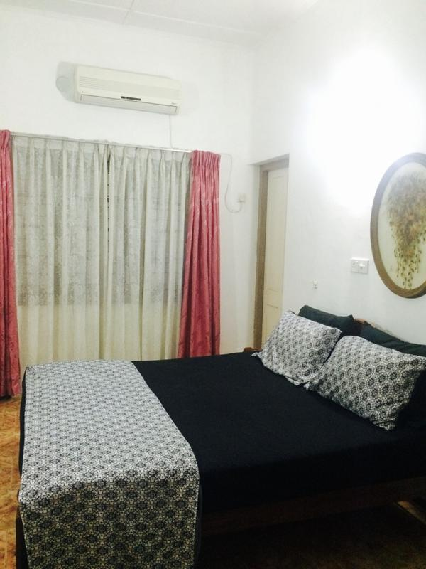 Colombo Lavinia Beach Hostel