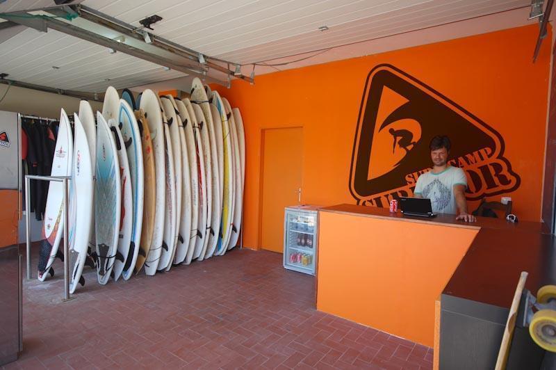 Surfivor Surf Camp Esmoriz