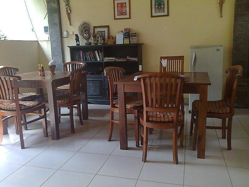 Nyuh Gading Accommodation & Warung