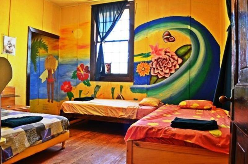 La Casona de Lobitos Surf Hostel