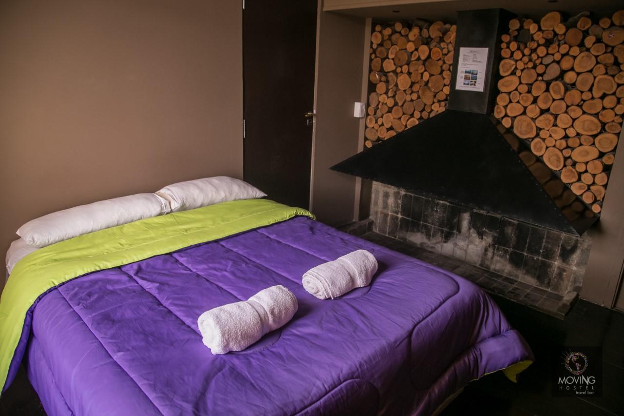 HOSTEL - Moving Hostel Travel Bar