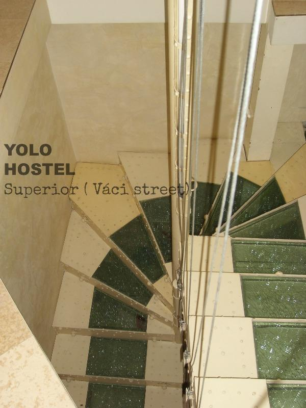Yolo Hostel