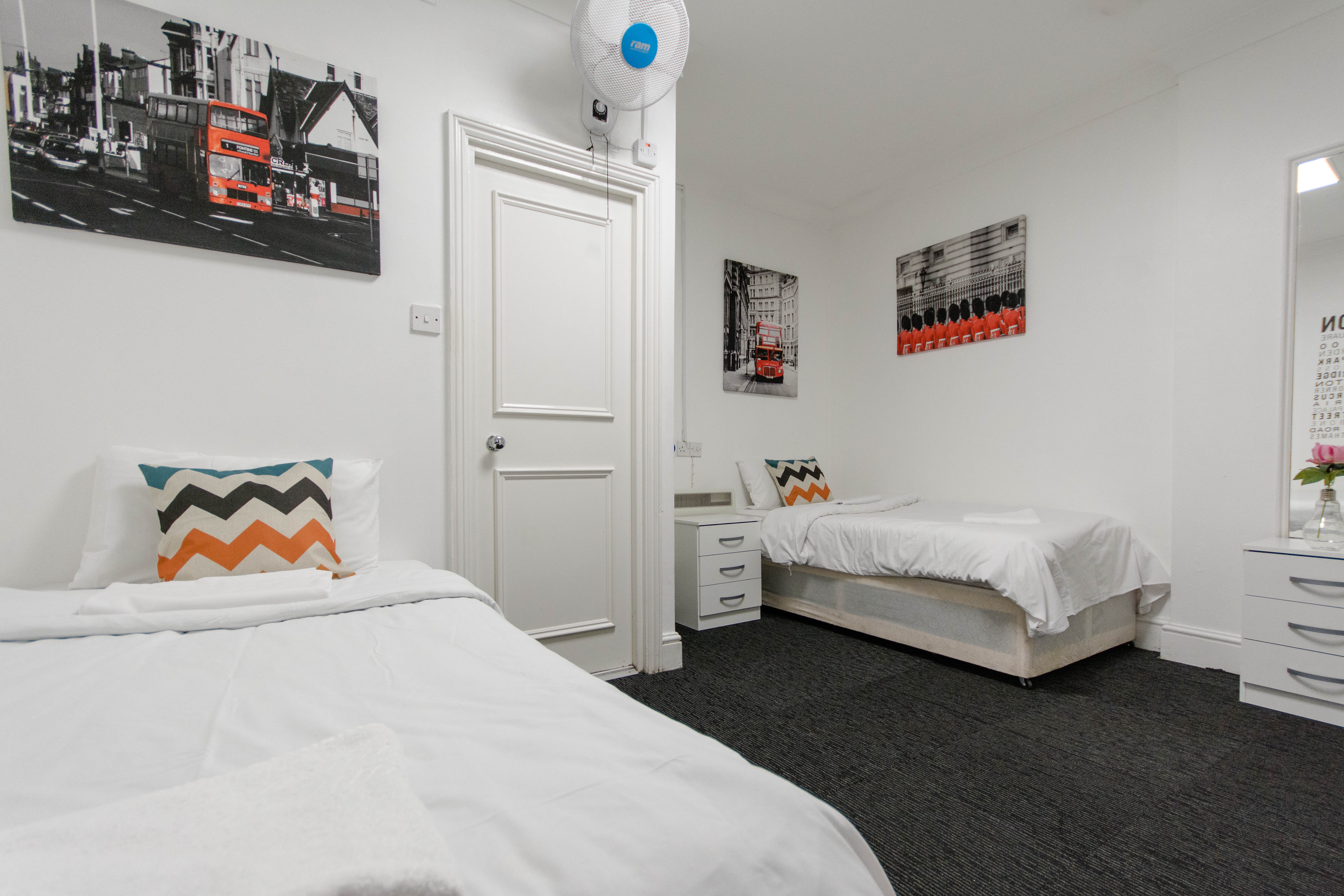 HOSTEL - Smart Hyde Park View Hostel
