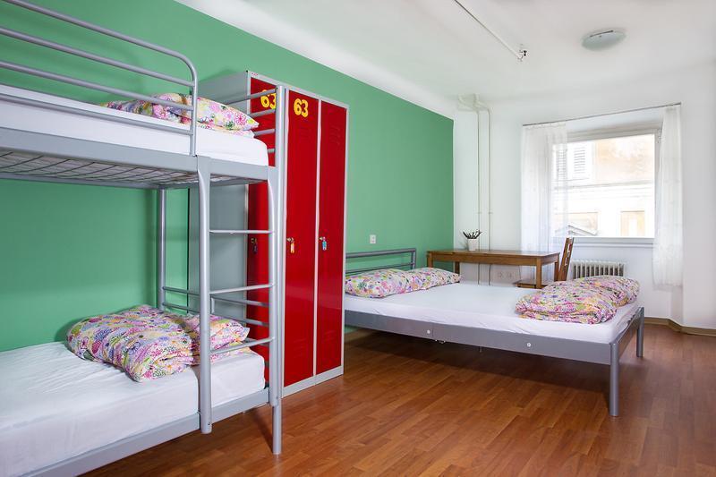 AdHoc Hostel
