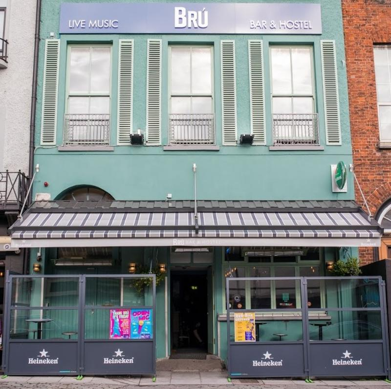 Bru Bar & Hostel
