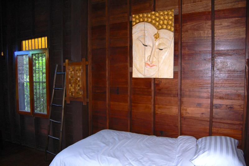 HOSTEL - Swiss-Lanna Lodge