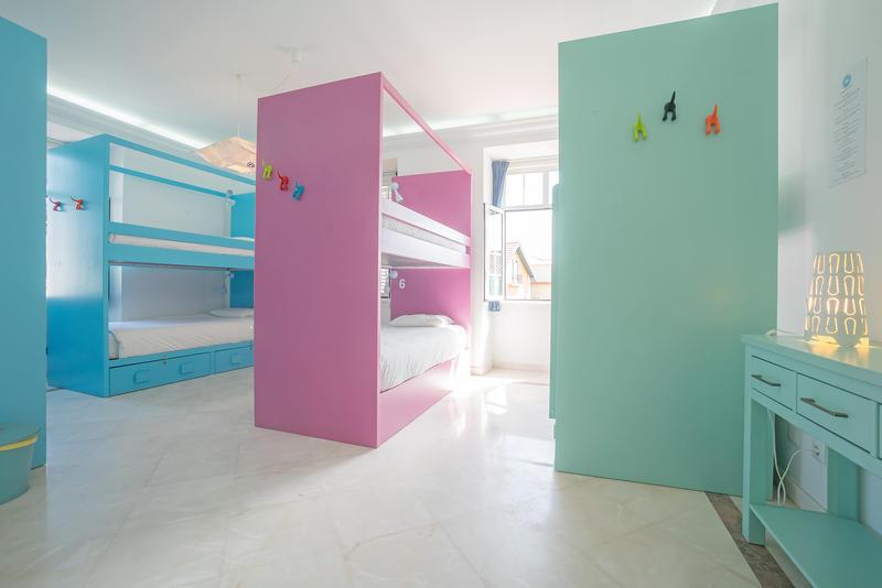 Blue Boutique Hostel & Suites