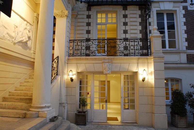 BVJ Champs-Elysées