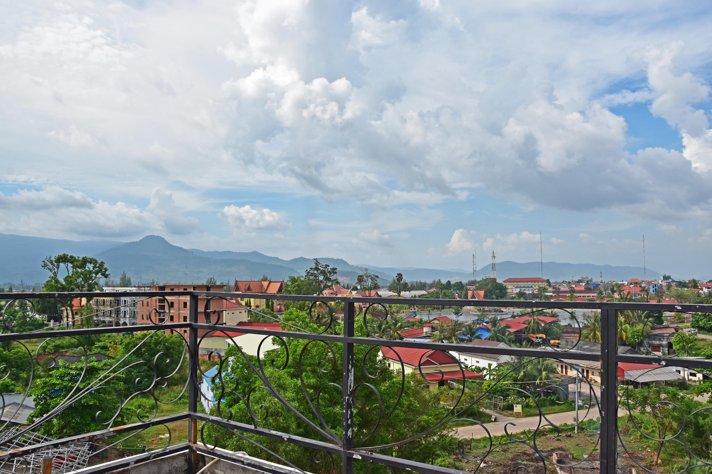 Mad Monkey Kampot