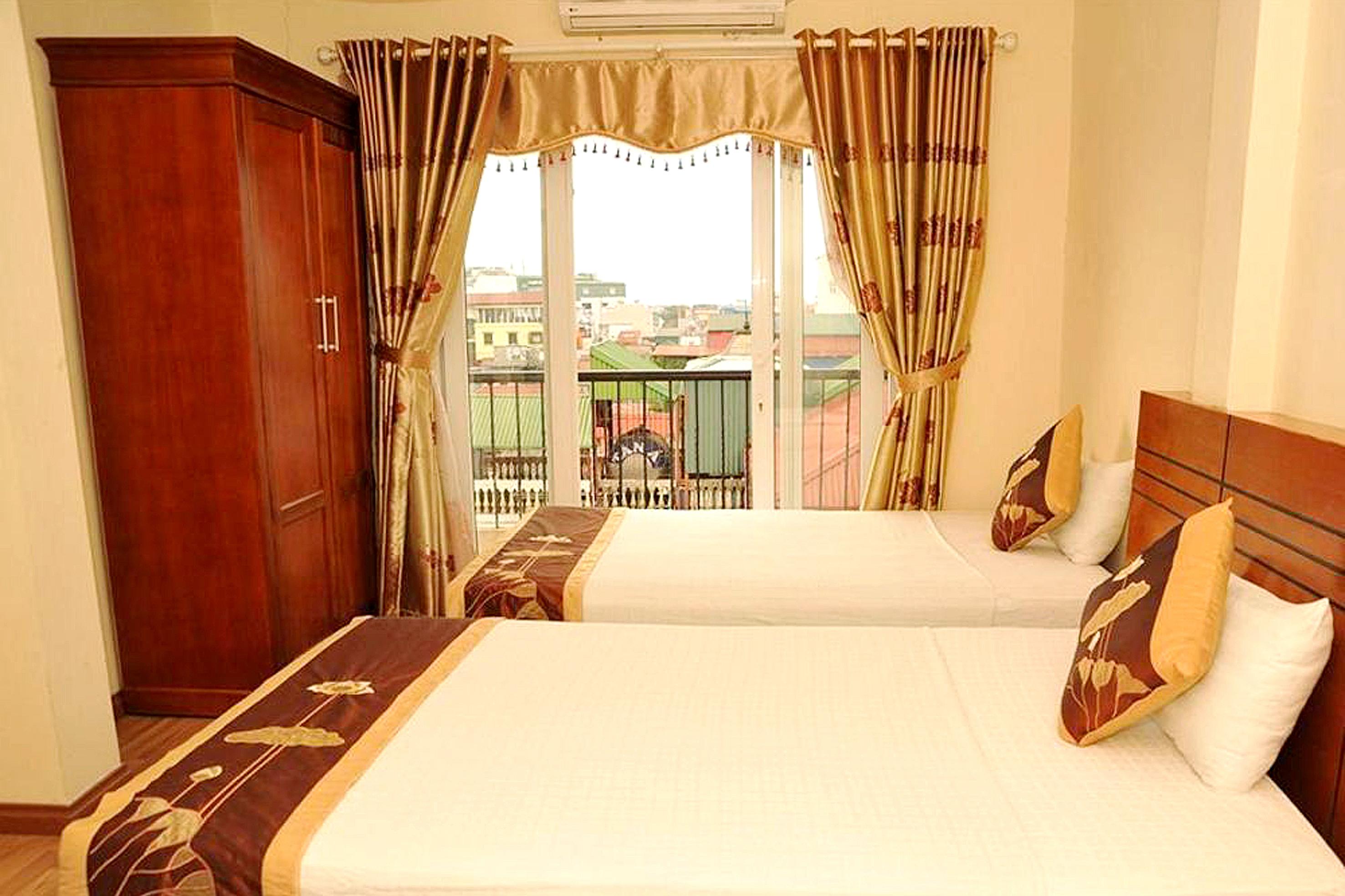 HOSTEL - The World Inn Hotel & Travel