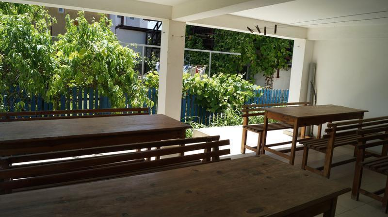 Pura Vida Breeze Hostel