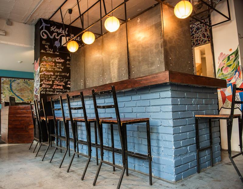 Red Fox Hostel & Bar