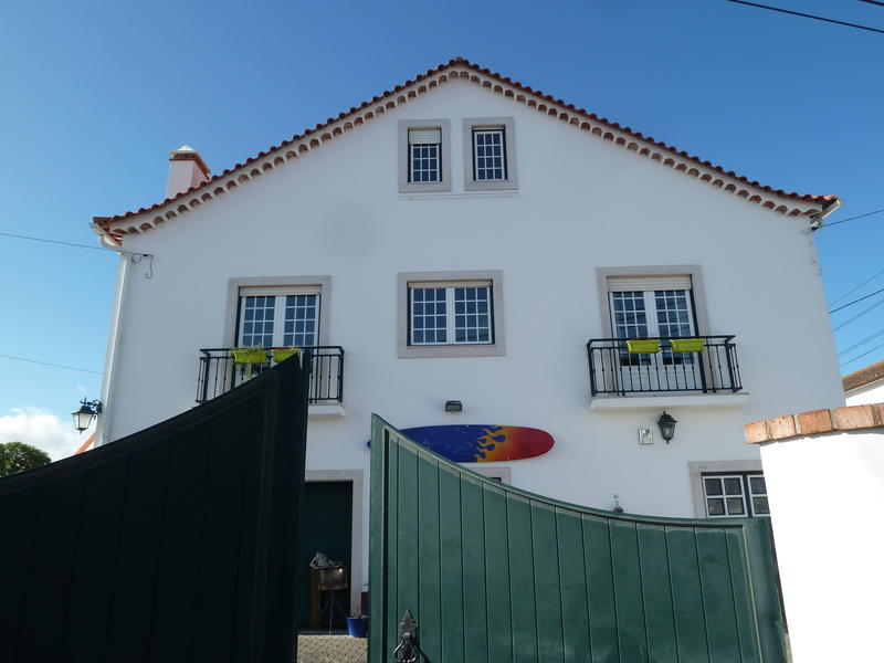 Wine & Surf Hostel Óbidos
