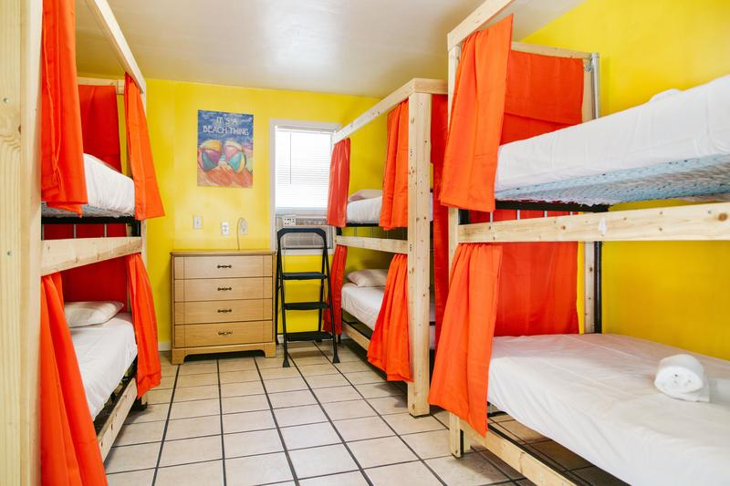 Seashell International Hostel And Motel