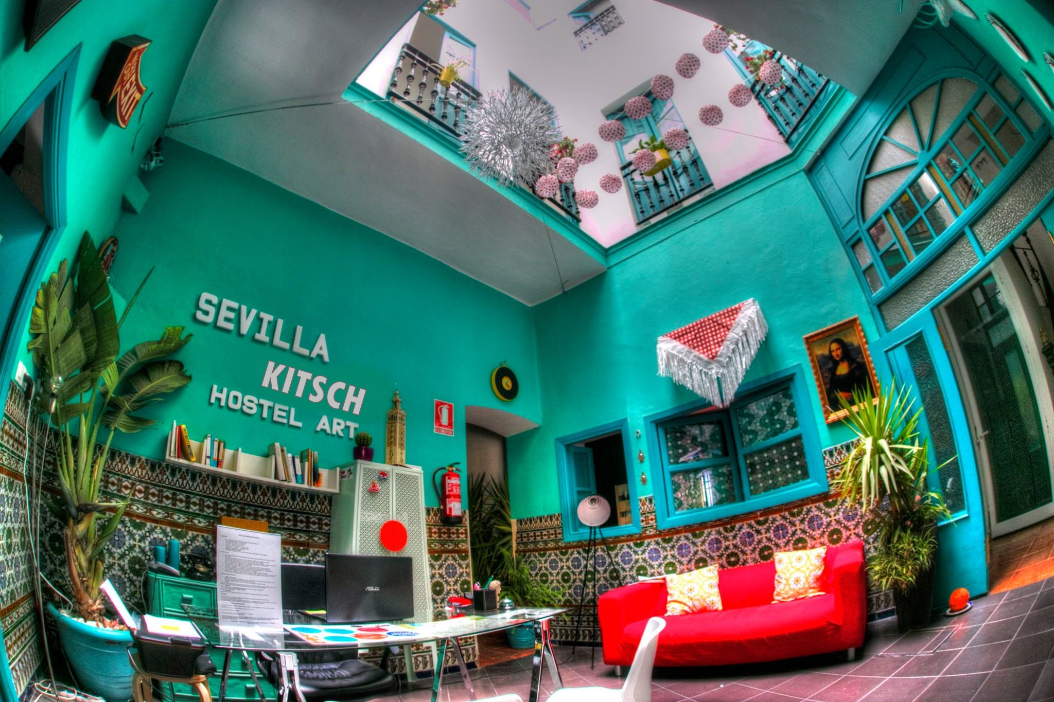 Sevilla Kitsch Hostel Art