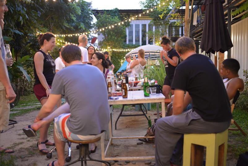 HOSTEL - The Yard Hostel Bangkok