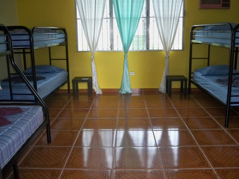 Hostal Aleman B&B