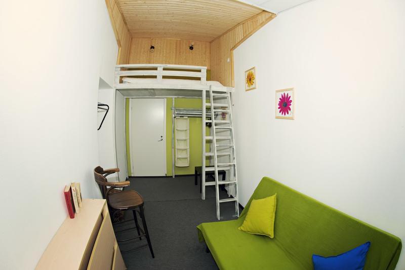 Mansarda S Hostel