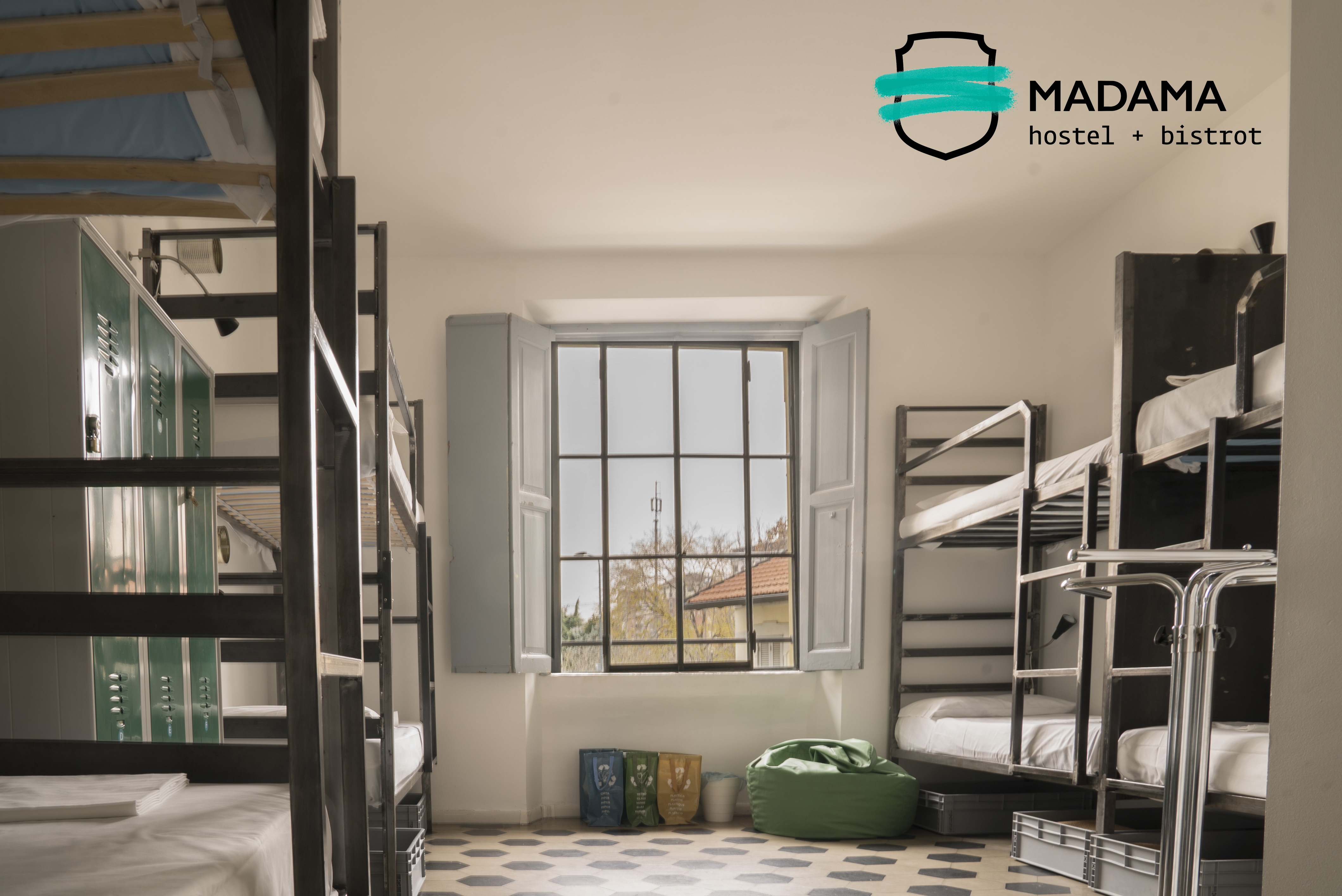 Madama Hostel & Bistrot