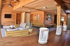 Casa Aura Beachfront Premium Hostel