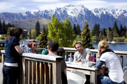 Photos of Bumbles Backpackers Queenstown