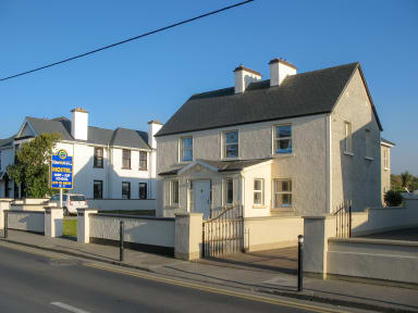 Fotky Strandhill Lodge, Hostel & Surf School