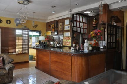 Fotos de D'Lucky Garden Inn and Suites