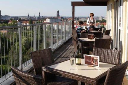 Photos of a&o Dresden Hauptbahnhof