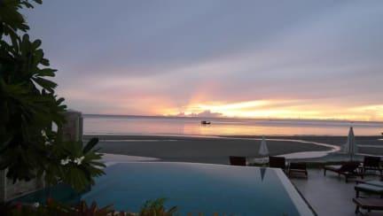 Fotky Nern Chalet Beachfront Hotel