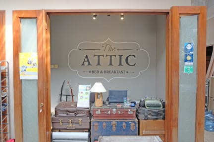 The Attic Bed & Breakfast照片