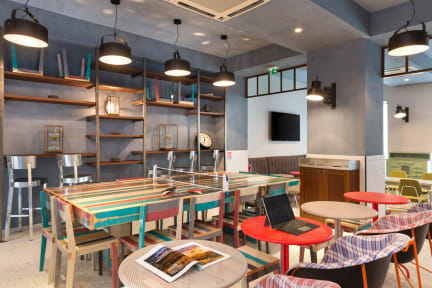 Hostel OZZ & Bar By Happyculture照片