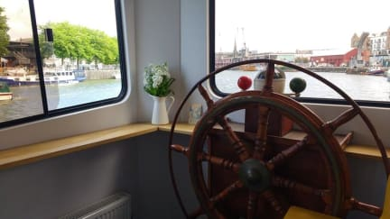 Foto's van Kyle Blue - Bristol Harbour Luxury Hostel Boat