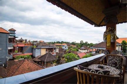 Фотографии Tunjung Hostel