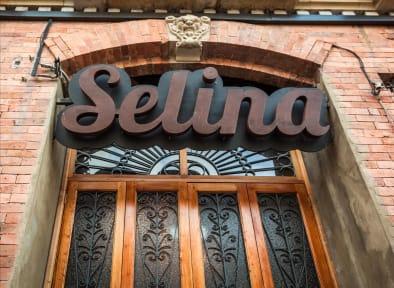 Billeder af Selina La Candelaria Bogota