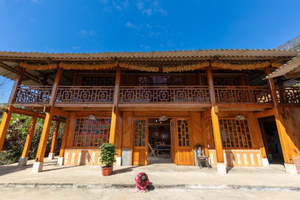 Photos of Hmong Sister House