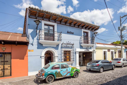 Kuvia paikasta: Selina Antigua