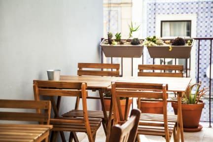 Photos of Lisbon Poets Inn