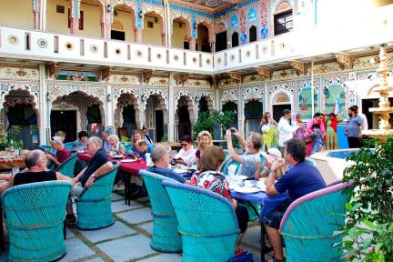 Fotky Shahi Palace Mandawa